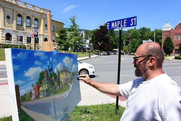 Artist Alvin Ouellet paints a street scene of Adams - 062618