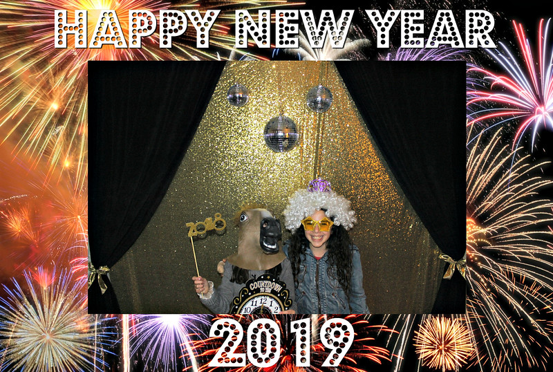 New Years 2019 Photobooth Pics (14).jpg