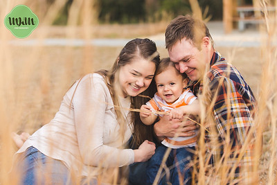 The Dunlaps | A Sweet & Snuggly Horseshoe Farm Park Family Session