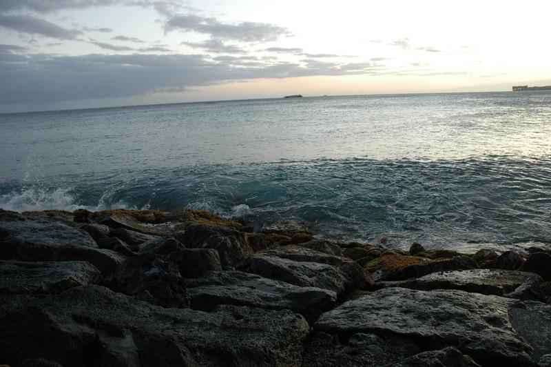 Hawaii - Ala Moana Beach Sunset-115.JPG