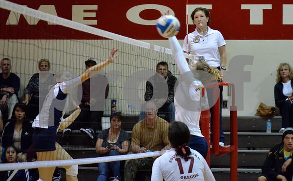 121103 SWOCC Volleyball vs Linn-Benton