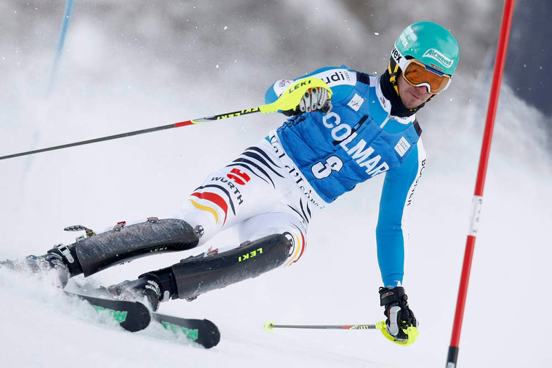 . Felix Neureuther of Germany skis during the first leg in the men\'s World Cup Slalom skiing race in Val d\'Isere, French Alps, December 8, 2012.    REUTERS/Emmanuel Foudrot