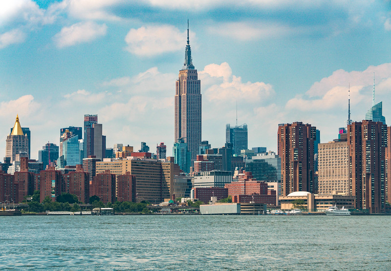 Empire state city from brooklyn.jpg