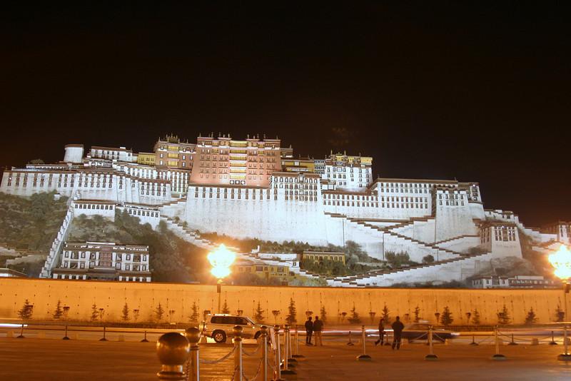 Lhasa, The Palace at Night Qinghai -Beijing to Tibet Railway, Beijing to Lhasa  Oct  2006
