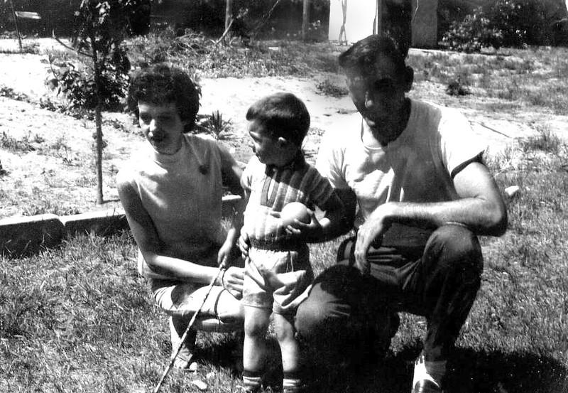 Dan&Mom&Dad.jpg