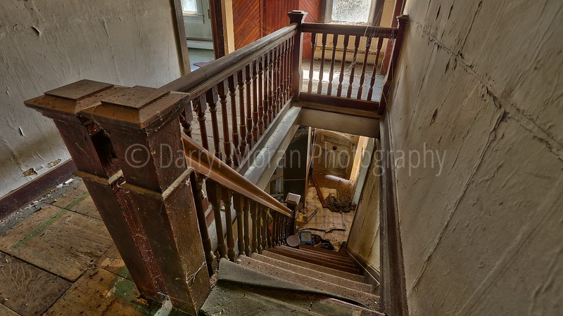 Abandoned Old House circa 1833 (14) .jpg