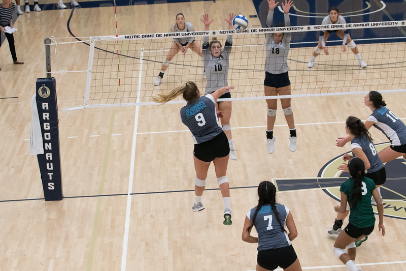HPU Volleyball-92759.jpg