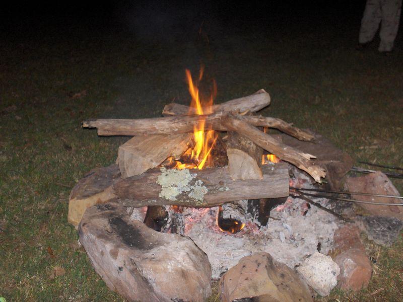 Camp fire 5-27-05.JPG
