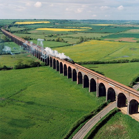 harringworth_viaduct_steam_train.jpg