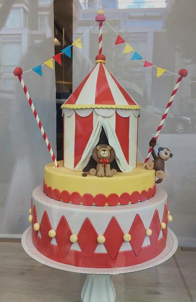 Yummy Yonie Cakes