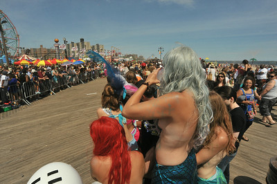 MERMAID  PARADE  2014   (7)