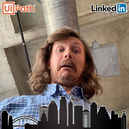 Photos/GIFs - Ui Path & LinkedIn