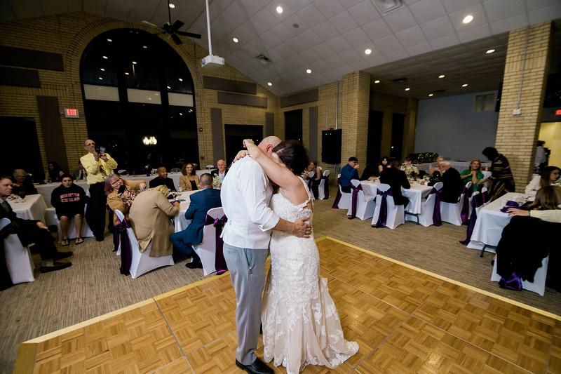 chateau-on-the-river-trenton-michigan-wedding-0383.jpg