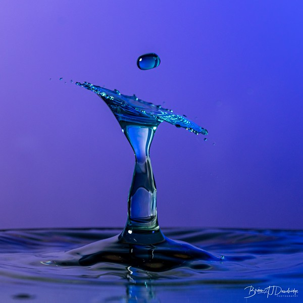 Moody-Blue Waterdrop-7635.jpg