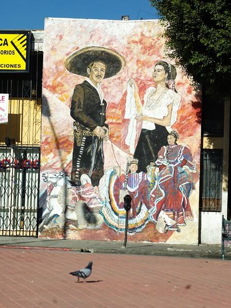 MariachiPlaza006-MuralAndPigeon-06-10-18.jpg