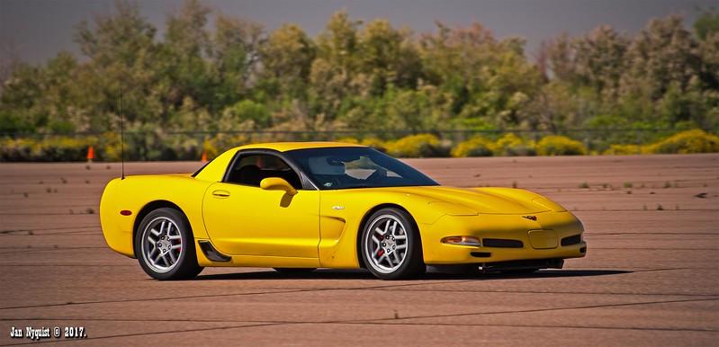 Corvette-Yellow-2099.jpg