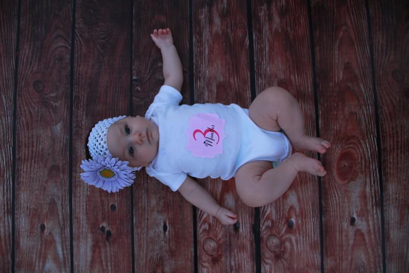Evie-3 months (157).JPG