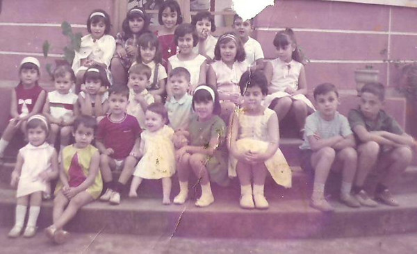 Paula costa, Pompom Graca, ?, Lili Caceiro, Carlinhos Ze' Santos,  Teresa Beato.................Luisa Morgado, ?, Victor Costa, Ruth Beato...???