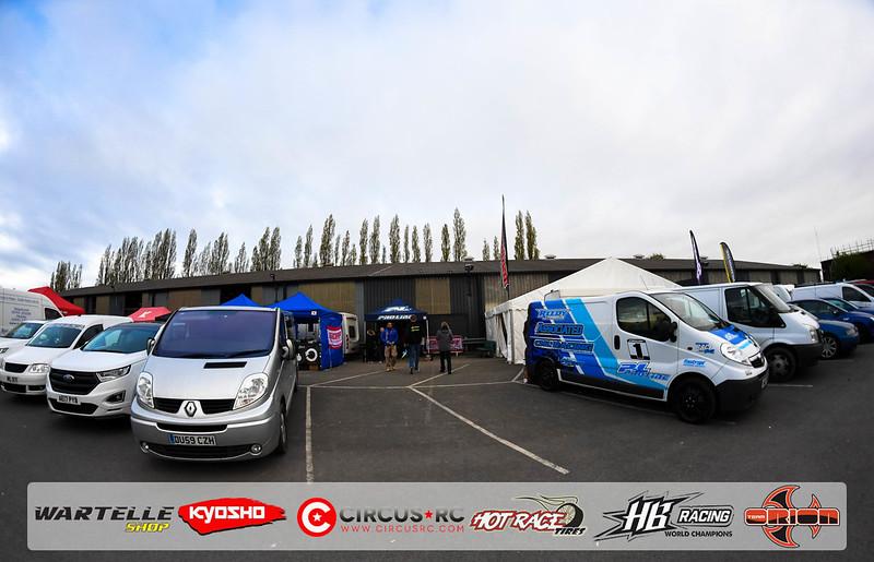 neo race track pits28.jpg