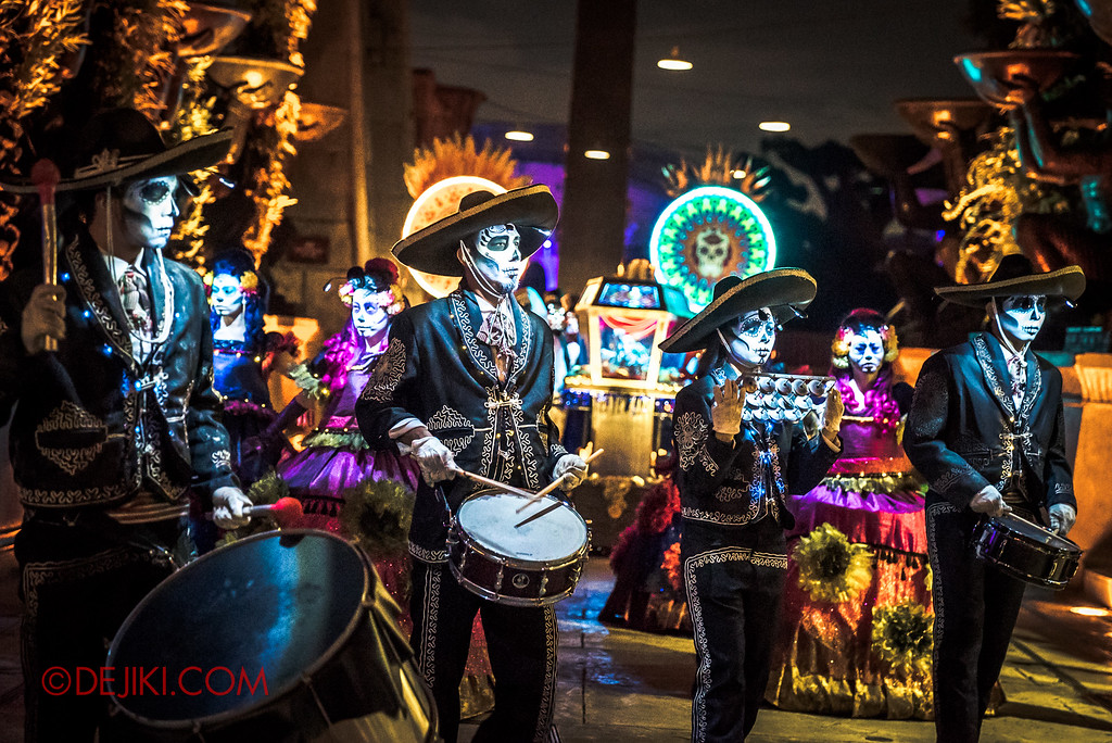 Halloween Horror Nights 6 - March of the Dead / Death March - The Band marches out of Egypt