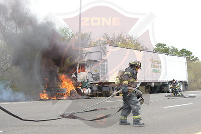 Brentwood F.D. Signal 14 (Tractor Trailer)  Express Drive South near Wicks Rd.  4/17/17