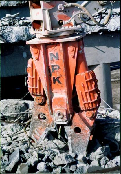 NPK M28G concrete pulverizer on Cat excavator-commercial demolition (Rt. 10) 04-08-98 (10).JPG