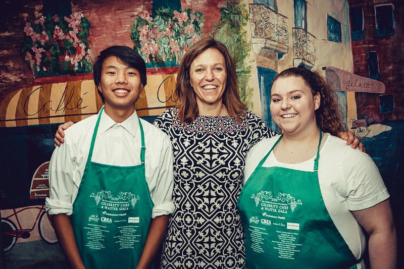 Mike Maney_CB Cares Celebrity Waiters 2019-120.jpg