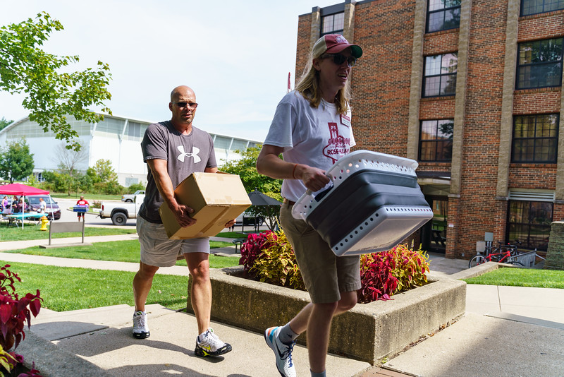 RHIT_Freshman_Move_In_Day_2019-8186.jpg