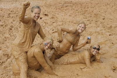 07.11.09: EFET Mud Volleyball Tournament - Candids