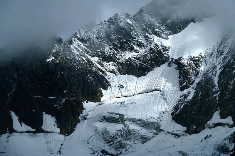 Imposing bergshrund