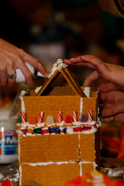 Gingerbread Houses (12.5.07)
