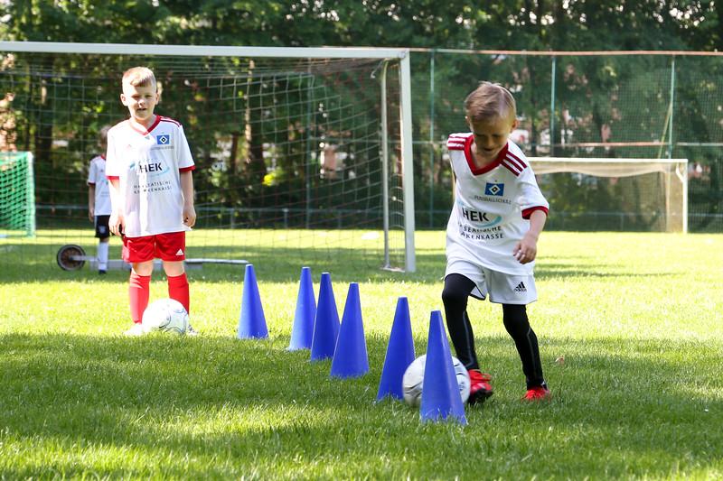hsv_fussballschule-188_48048031787_o.jpg