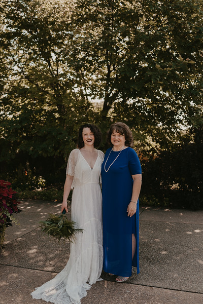 Bride Family Portraits-16.jpg