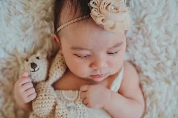 Mila Newborn 2018