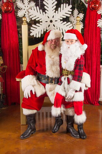 Santa 12-16-17-223.jpg