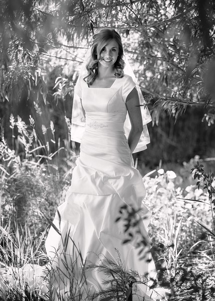 Amy Bridals 052bw.jpg