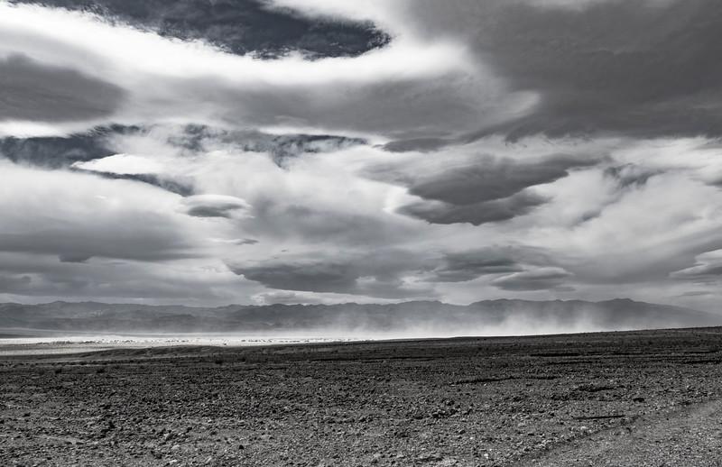 Death-valley-National-park-sand-storm.jpg