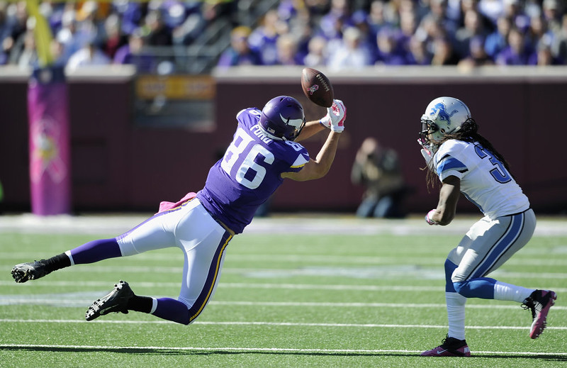 . Rashean Mathis #31 of the Detroit Lions looks on as Chase Ford #86 of the Minnesota Vikings misses a reception during the second quarter of the game on October 12, 2014 at TCF Bank Stadium in Minneapolis, Minnesota. (Photo by Hannah Foslien/Getty Images)