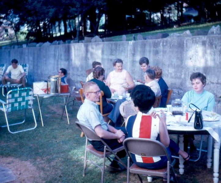 1970_06 fAMILY REUNION vOELKER 04.jpg