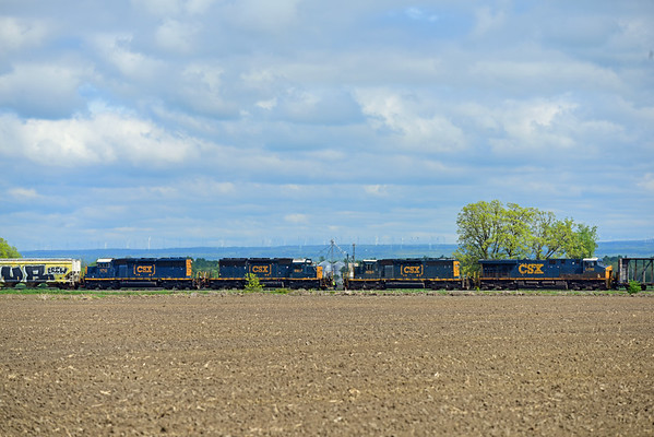 CN 326 & 327, Arnold, Quebec, May 29 2019.