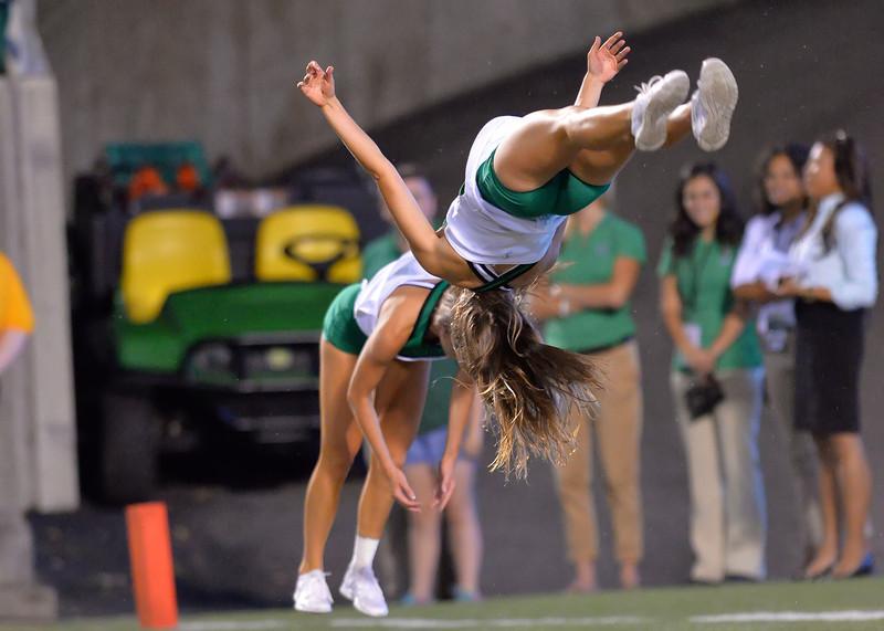 cheerleaders1095.jpg
