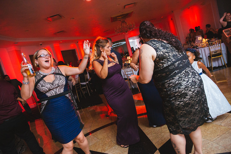 MER__1089_tonya_josh_new jerrsey wedding photography.jpg