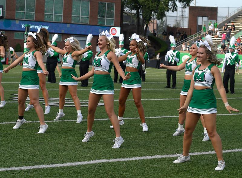 cheerleaders7058.jpg