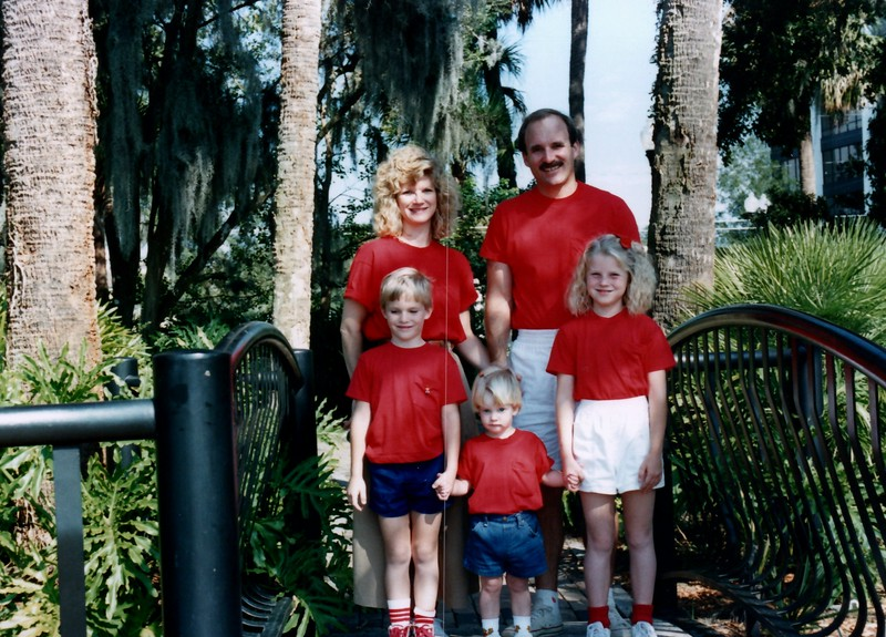 1989_December_Christmas_picture_sessions_in_orlando_0001_a.jpg