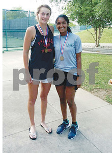 robert-e-lees-fisher-forced-to-retire-at-6a-tennis-regionals-finishes-third
