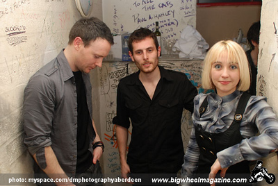 1joy formidable @ cafe drummonds feb 09 115.jpg