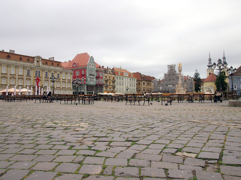 P5228517-cobbled-square.JPG