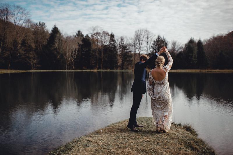 Requiem Images - Luxury Boho Winter Mountain Intimate Wedding - Seven Springs - Laurel Highlands - Blake Holly -688.jpg