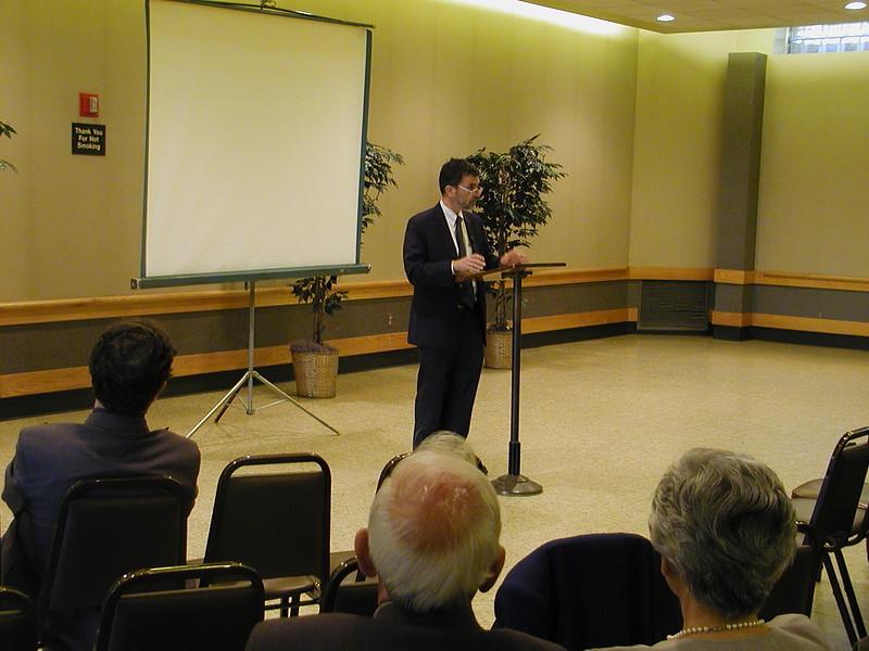 2004-04-18-Notable-Speaker-Series_008.jpg