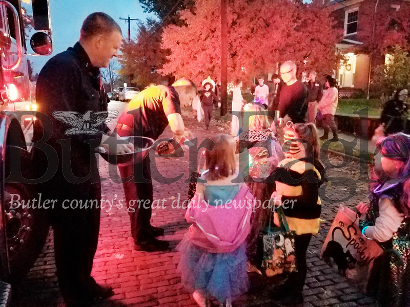 Trick or Treat on Pearl St.